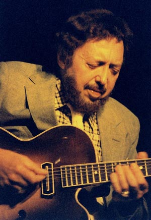 Barney Kessel with his modified Gibson ES-350