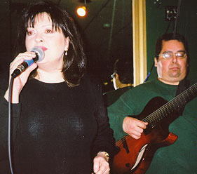 The luscious voice of Terrie Richards, wife of Howard Alden, with Howard accompanying (on his new Benedetto Custom 7-String)